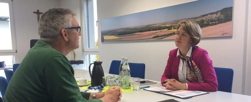 Jürgen Leppig im Gespräch mit MdB Dr. Anja Weisgerber