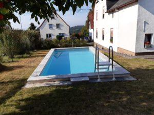 Dem Pool einheizen – Vorteile einer Wärmepumpe – Umweltfreundlichkeit, geringe Betriebskosten und Unabhängigkeit vom Wetter